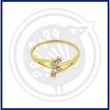 Ladies Diamond Ring (18 CT)