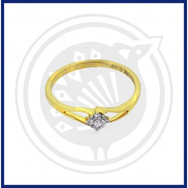Ladies Diamond Ring (18 CT)